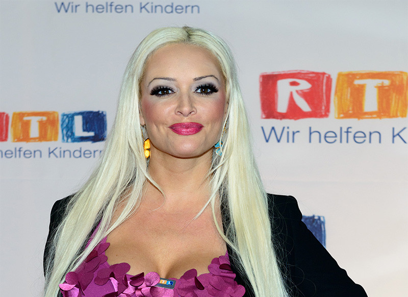 Daniela Katzenbergers Vermögen Werd Reich Stell Dich Dumm
