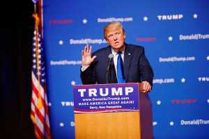 1200px-Mr_Donald_Trump_New_Hampshire_Town_Hall_on_August_19th,_2015_at_Pinkerton_Academy,_Derry,_NH_by_Michael_Vadon_02